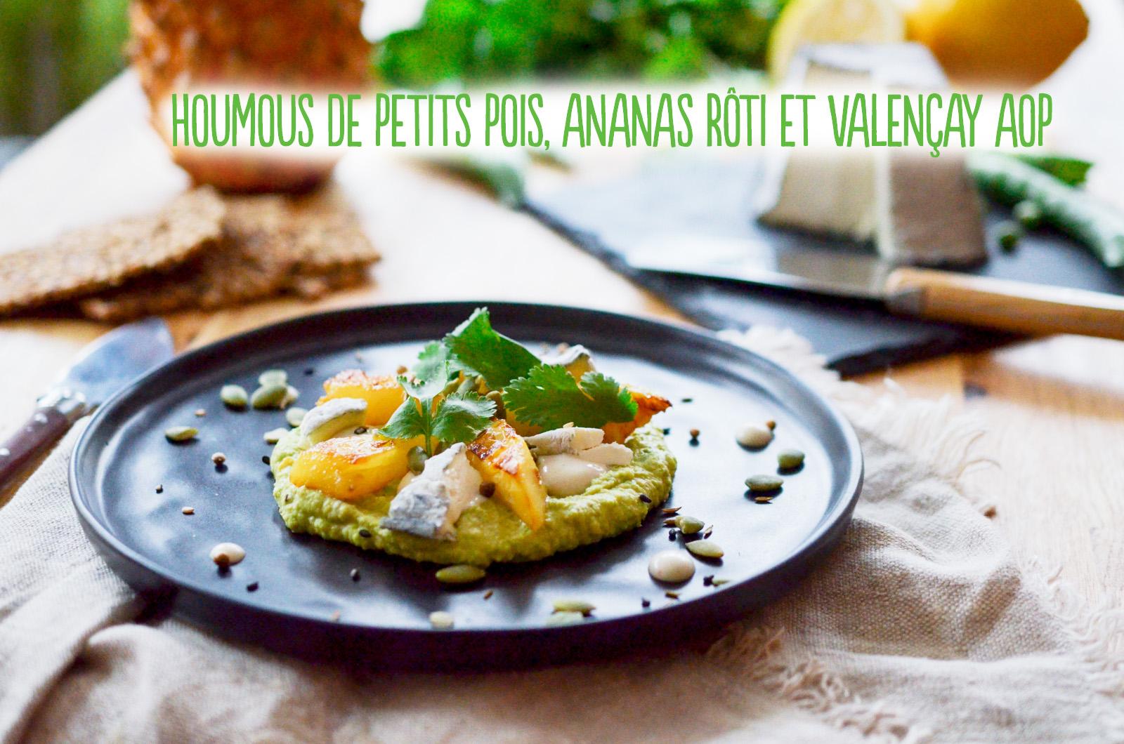 Houmous de petits pois, ananas rôti et Valençay AOP