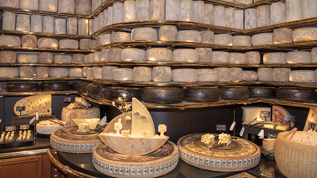 Le plus grand plateau de fromages du monde