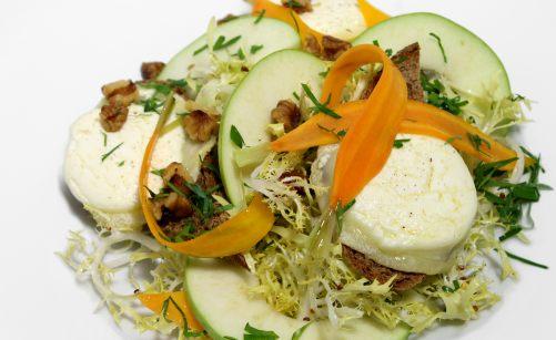 Salade au chèvre chaud par Alain Ducasse