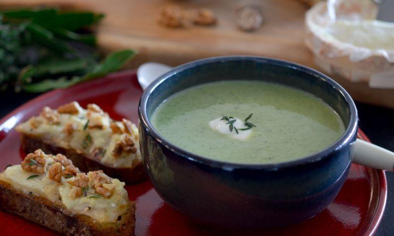 Velouté de brocolis et ses tartine gourmandes